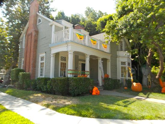 Бербанк, Калифорния: Emily Fields house on Pretty Little Liars