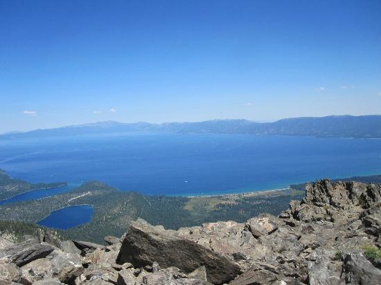 Mt. Tallac Trail : View from the top