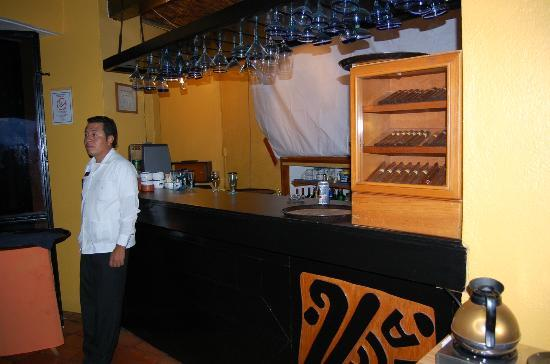 Hotel Victoria: cigar bar