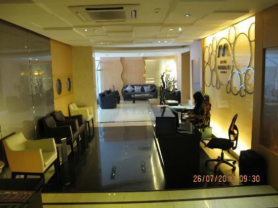 Hotel Mermaid Bangkok: Reception