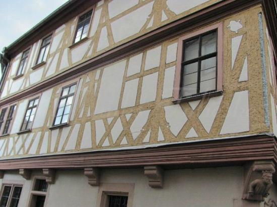 Haus der vier Gekronten