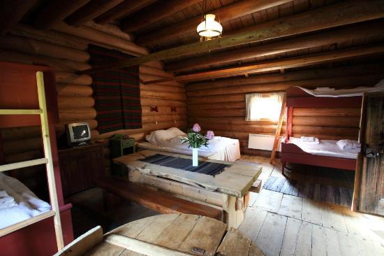 Nordre Ekre Gardshotell: Inside the family room