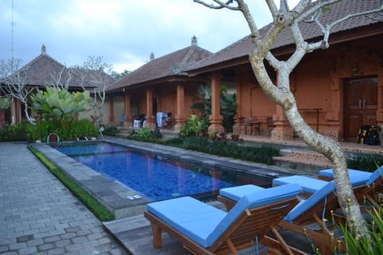Bon Nyuh Bungalows: The pool is so inviting on those warm afternoons