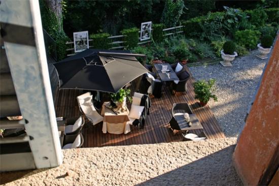 Hotel Villa Beccaris: Ontbijtruimte (buiten)