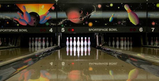 Sportspage Bowl Grill & Lounge: 8 Bowling Lanes