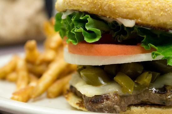 Sportspage Bowl Grill & Lounge: Jalapeño Cheeseburger