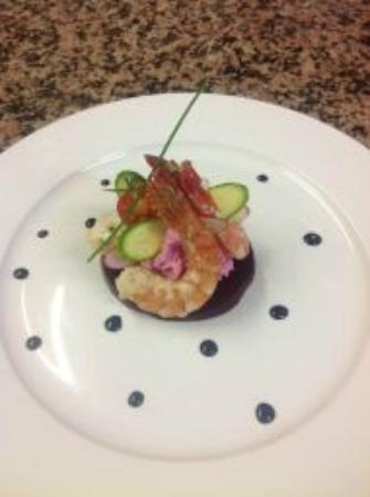 Hotel Restaurant Entre Nous: Gambas Mariné Emulsion de beteraves