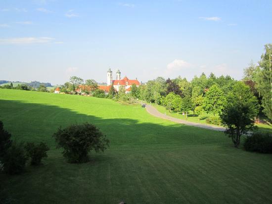 Hotel St. Ulrich: zicht vanop het balkon