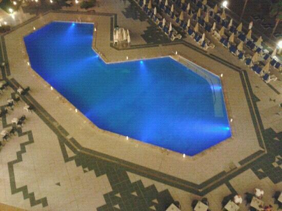 Grupotel Playa Camp de Mar: The pool at night.