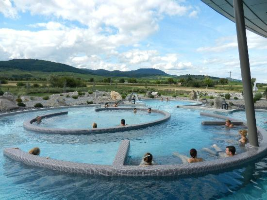 Boissons chaudes frigo et coffre fort picture of resort for Piscine spa ribeauville
