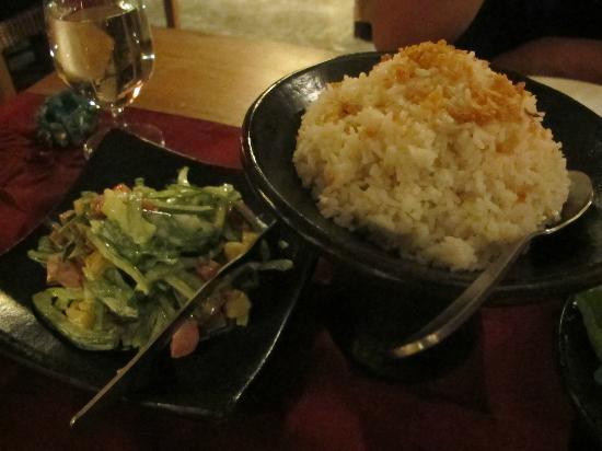 Sempiak Villas: Set dinner