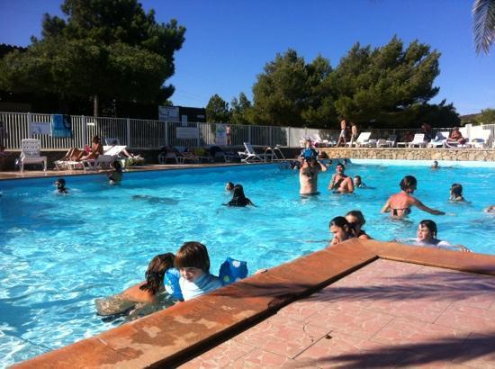 Camping des iles bonifacio corse voir les tarifs et for Camping avec piscine corse du sud