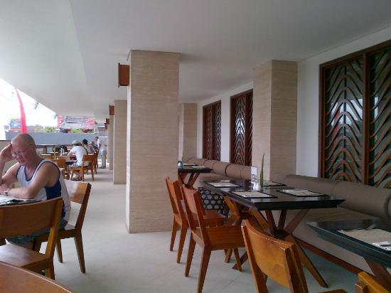 The Magani Hotel and Spa: Breakfast area