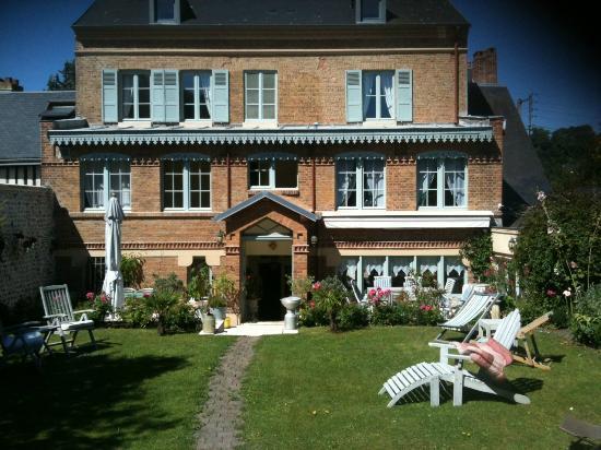 JANE'LAUR : la maison d'hôte vue de derrière