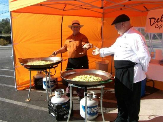 Del Rio's Cafe & Catering: On Site Paella Parties...anywhere, anytime