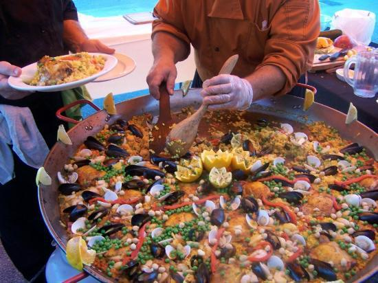 Del Rio's Cafe & Catering: UMMM..Beautiful Seafood Paella