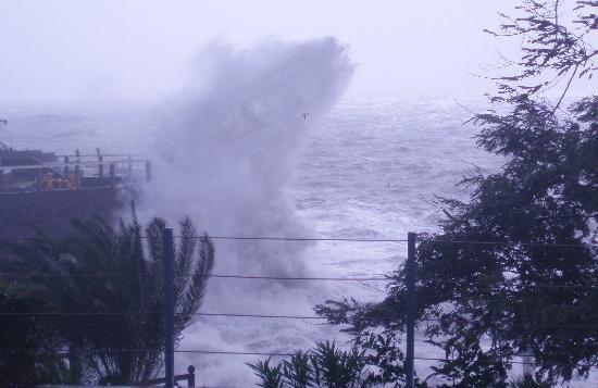 Porto Mare Hotel (Porto Bay): Stormy seas