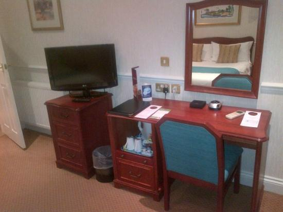The Bromley Court Hotel : Desk