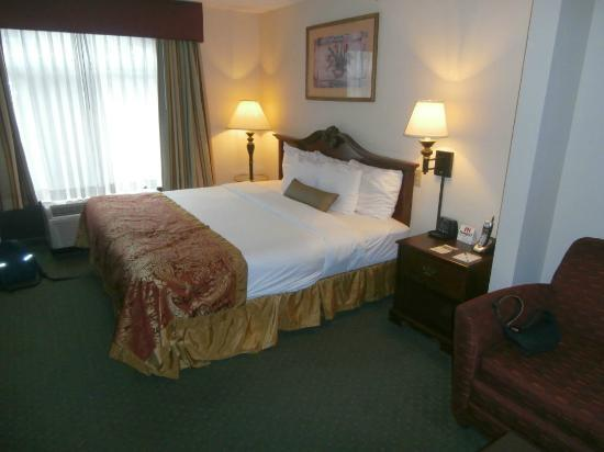 Wingate by Wyndham Atlanta Galleria Center: Room 422