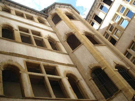 里昂老城区街道