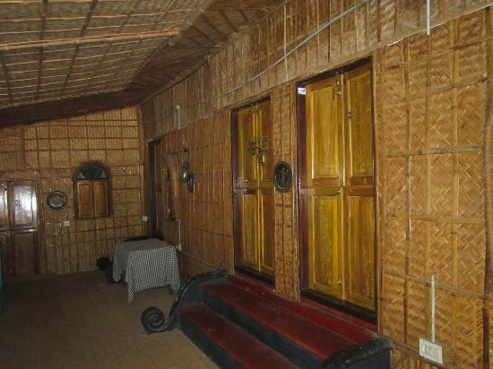 Ashtamudi Homestay : BAMBOO ROOMS