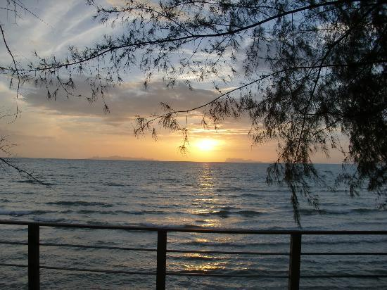 Nikki Beach Resort Koh Samui: The beautiful sunset
