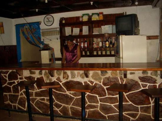 Mama Pierina Restaurant and Annex: small but well stocked bar:)