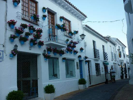 Benalmadena Pueblo (The Old Village) : One of the pretty streets