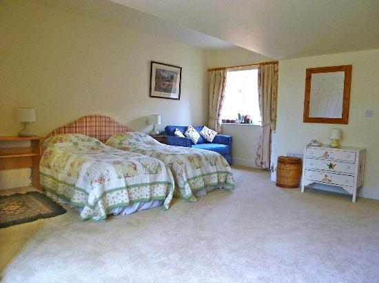 Warren Stables B&B: Main Bedroom, available as two singles or Kingsize Double