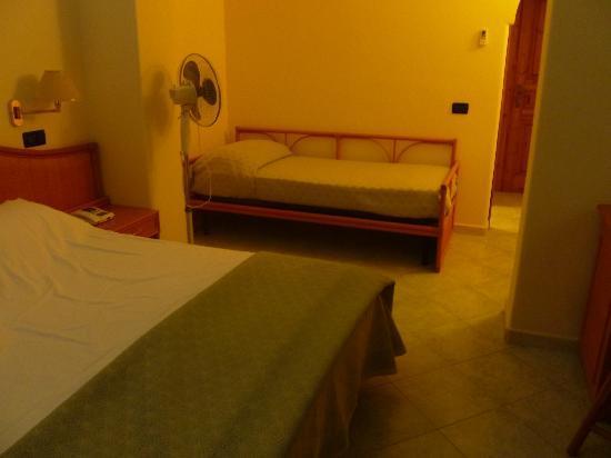 Hotel Belvedere: camera mapia: c'è anche il 3° letto