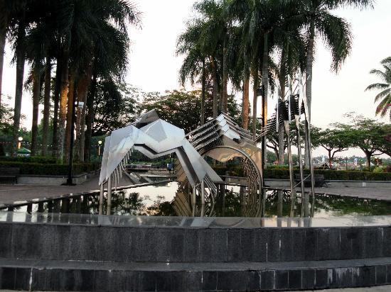 Hornbill Fountain