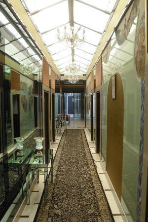 Royal Hotel: The annex hallway