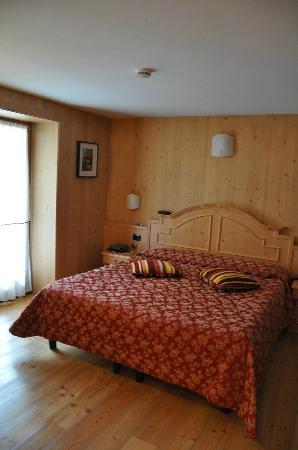Hotel Pedranzini: Stanza / Letto