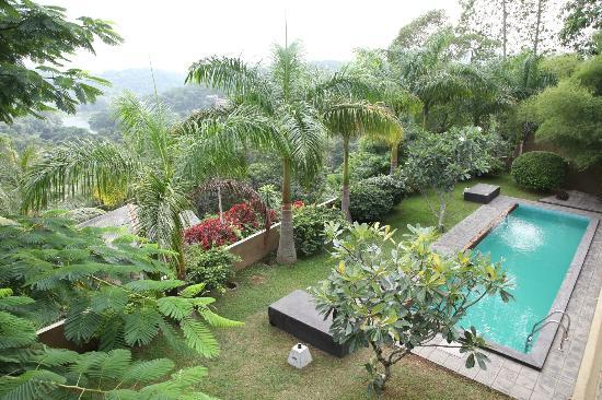 Baramba House: Looking out at the river