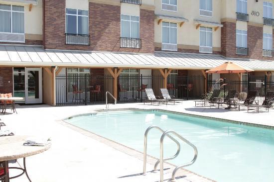 Hilton Garden Inn Yuma Pivot Point: Pool area 