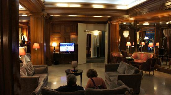 هوتل أستور سان أونوري: Lobby 