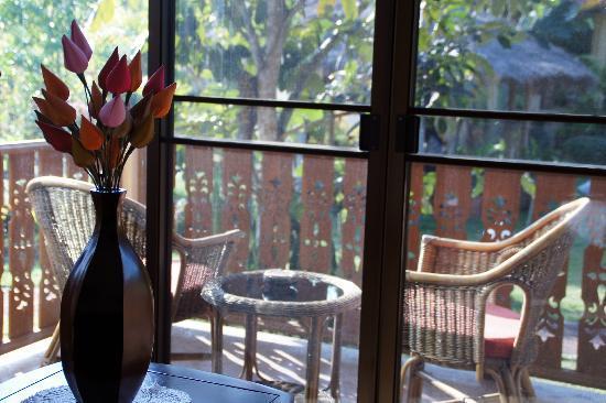 Mai Siam Resort: room view to the veranda