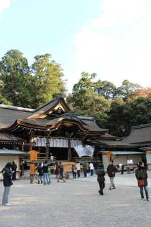 Omiwa Shrine: 大神神社