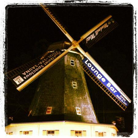 Comfort Inn Big Windmill: The Windmill