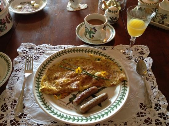 Halcyon Place Bed and Breakfast: breakfast