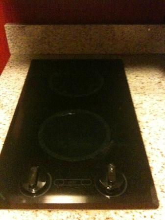 Residence Inn Newport News Airport: Stove - 2 burner