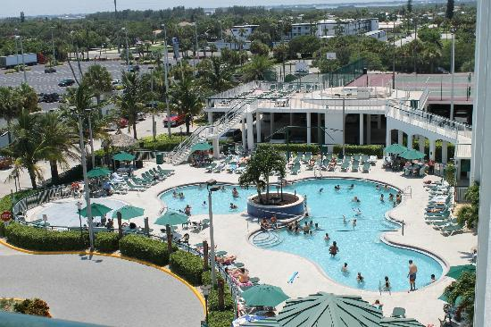The Resort on Cocoa Beach: Pool Area