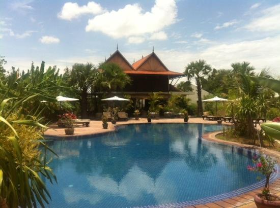 Battambang Resort: view over pool to restaurant