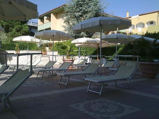 Hotel Residence Adriatico: piscina