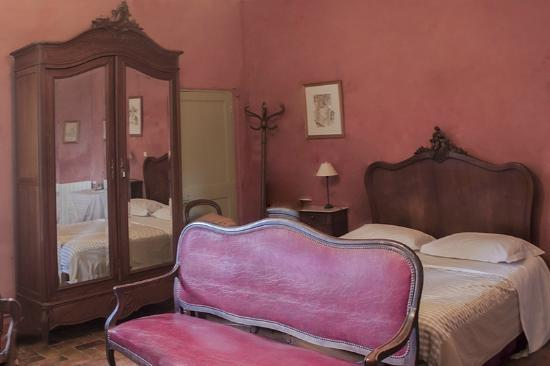 Le Mas Saint Germain : This only shows about 1/4 of the large bedroom.