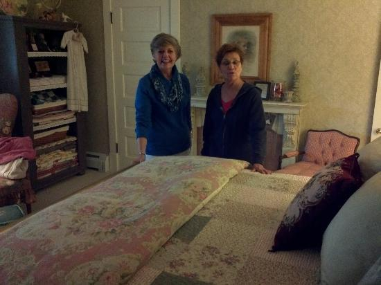 511 Reeves a Bed and Breakfast: Bedroom with Wanda