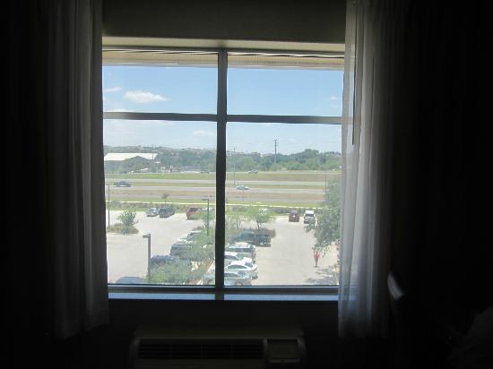 هوليداي إن سان أنطونيو إن دبليو: View from our 4th floor room 