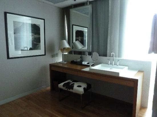 Maduzi Hotel : sala da bagno