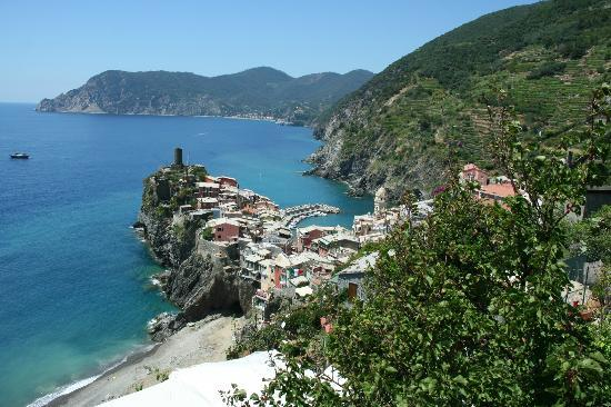 Locanda del Sole : Vernazza from trail #2