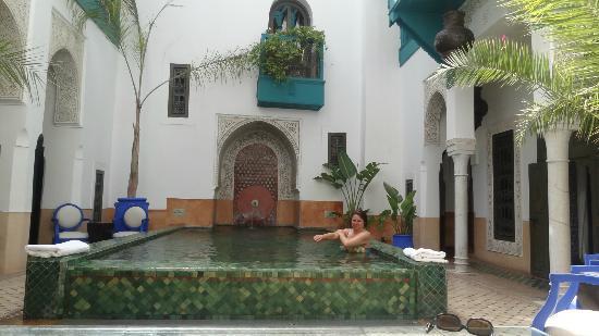 Riad Farnatchi: Farnatchi courtyard pool